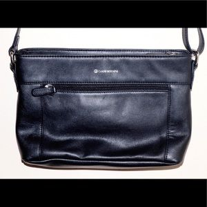 ✨New Without Tags✨ Giant Bernini Black Crossbody